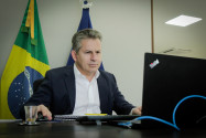 Governador defende que Governo federal disponibilize vacina contra a Covid-19
